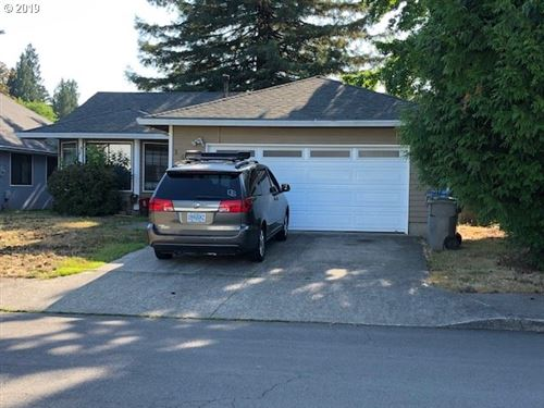 Photo of 14532 SW 83RD CT, Tigard, OR 97224 (MLS # 19169318)