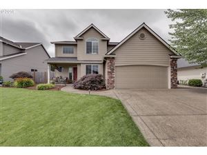Photo of 831 S PONDEROSA ST, Canby, OR 97013 (MLS # 19572399)