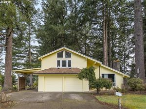 Photo of 720 NE 31ST PL, Canby, OR 97013 (MLS # 19529723)