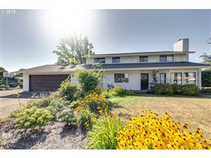 Photo of 1411 N JUNIPER ST, Canby, OR 97013 (MLS # 19069932)