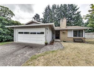 Photo of 1055 NE 14TH AVE, Canby, OR 97013 (MLS # 19086942)