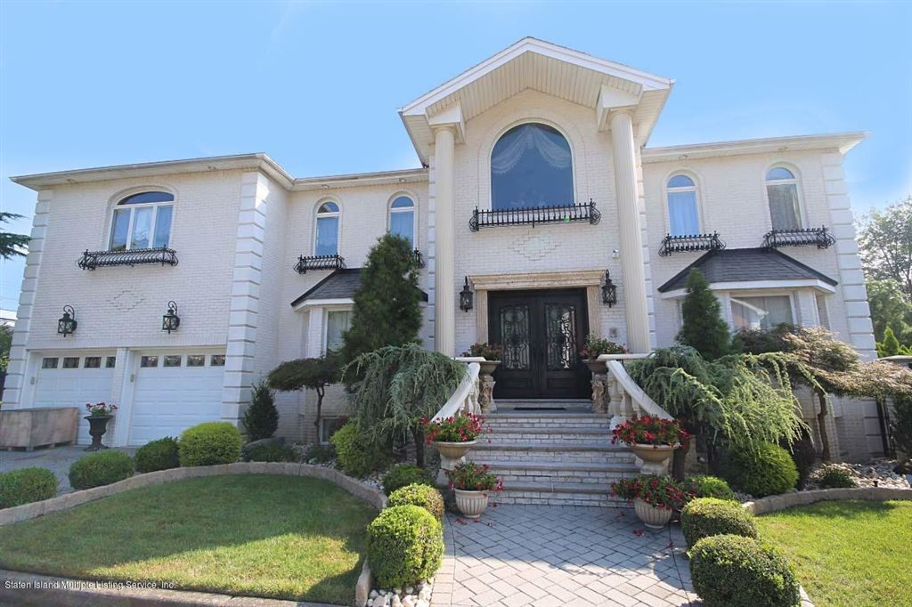 Photo for 15 Cottontail Court, Staten Island, NY 10312 (MLS # 1122611)