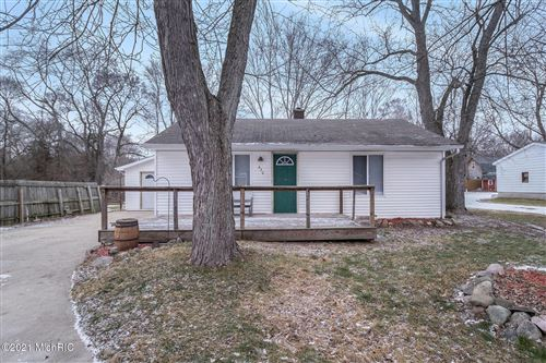 Photo of 630 Simmons Avenue, Battle Creek, MI 49037 (MLS # 21002210)