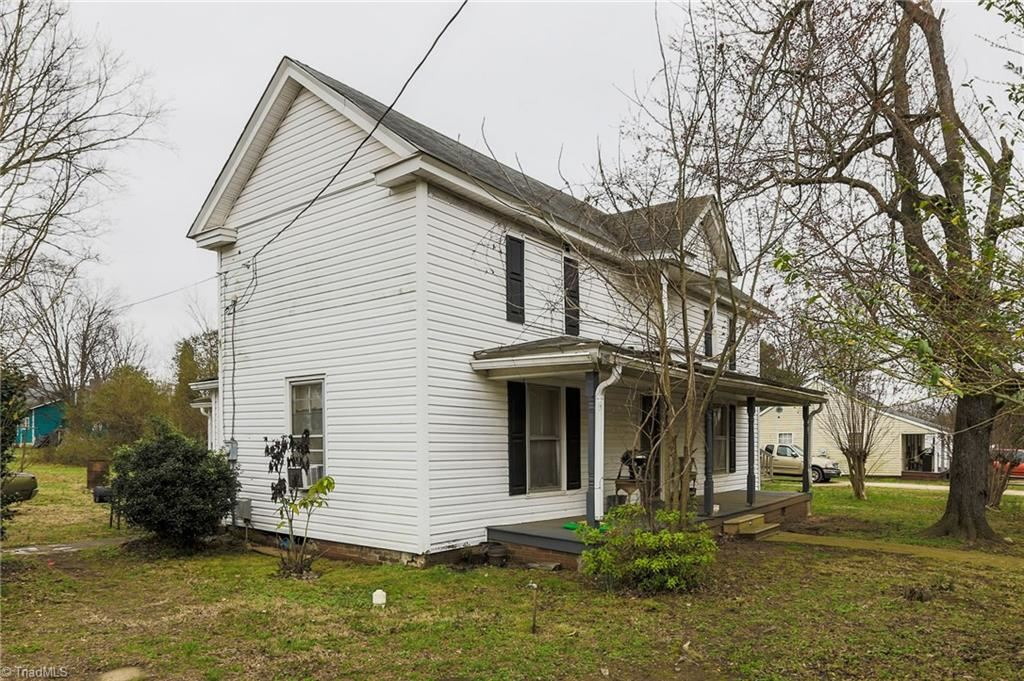 Photo of 302 Irma Avenue, Lexington, NC 27292 (MLS # 995133)