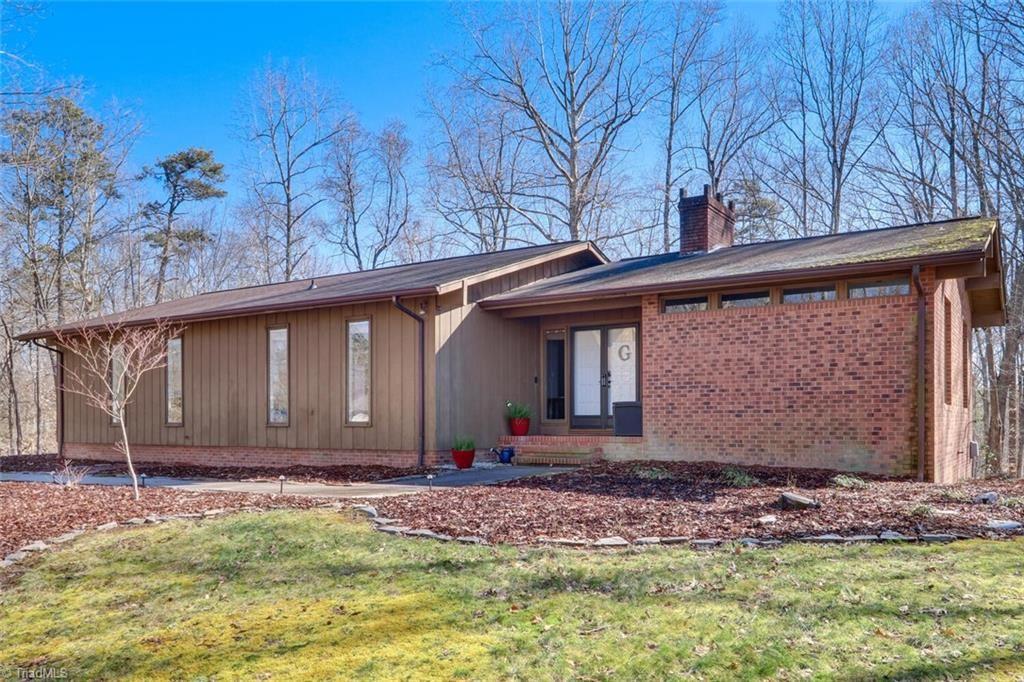 Photo of 291 Pine Valley Road, Thomasville, NC 27360 (MLS # 1013236)
