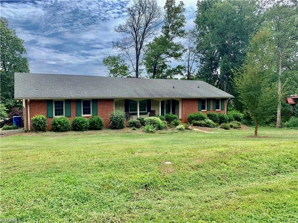 Photo of 67 Forest Park Drive, Denton, NC 27239 (MLS # 1012295)