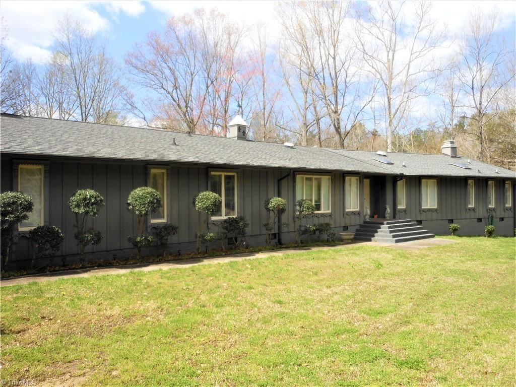 Photo of 912 Carolyndon Drive, High Point, NC 27262 (MLS # 1018363)