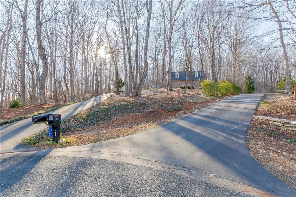 Photo of 577 Horse Mountain Drive, Asheboro, NC 27205 (MLS # 1013821)