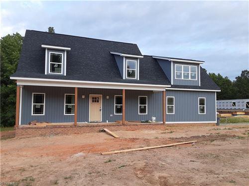 Photo of 234 Black Farm Road, Thomasville, NC 27360 (MLS # 975938)