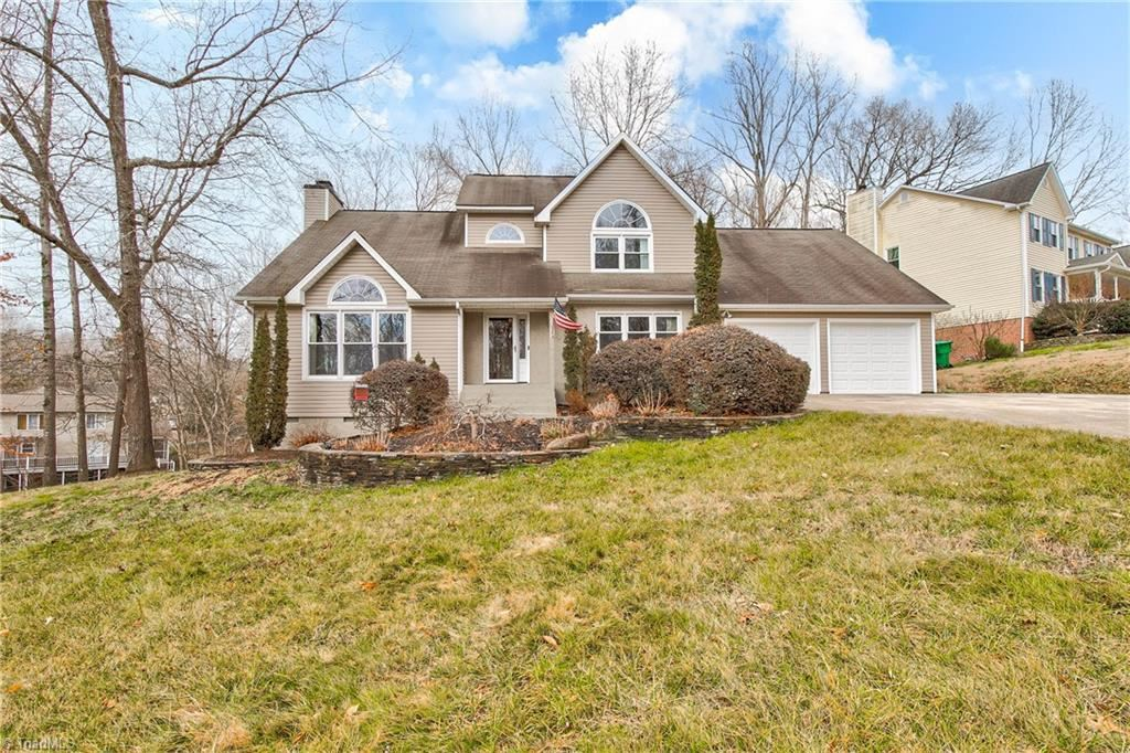 Photo of 1201 Shalimar Drive, High Point, NC 27262 (MLS # 1008974)