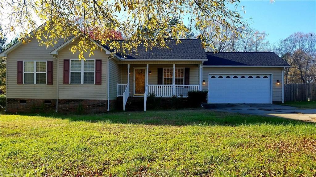 Photo of 210 Baymount Drive, Salisbury, NC 28144 (MLS # 1008999)