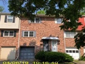 Photo of 942 ACADEMY HEIGHTS DR, GREENSBURG, PA 15601 (MLS # 1401156)