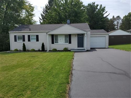 Photo of 908 Theresa Ave, Hermitage, PA 16148 (MLS # 1413719)