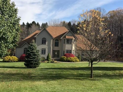 Photo of 112 Willow Dr, SLIPPERY ROCK, PA 16057 (MLS # 1401762)