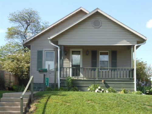 Photo of 2706 Maplewood Avenue, Springfield, OH 45505 (MLS # 1002052)