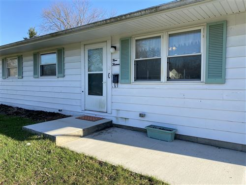 Photo of 913 Evergreen Drive, Sidney, OH 45365 (MLS # 1009354)