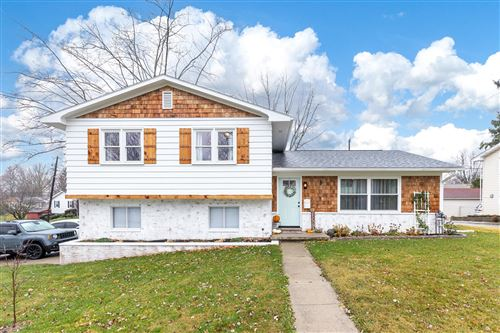 Photo of 515 Brookwood Drive, Bellefontaine, OH 43311 (MLS # 1007356)