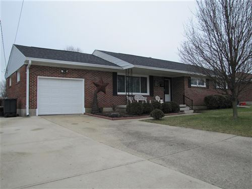 Photo for 1015 Robin Road, Springfield, OH 45503 (MLS # 1000584)