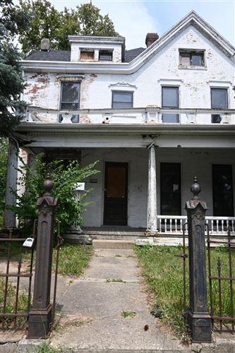 Photo of 924 E High Street, Springfield, OH 45505 (MLS # 1012836)