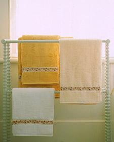 Coordinating Mismatched Towels