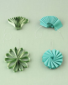 tutorial: fancy flowers from recycled junk (4/4)
