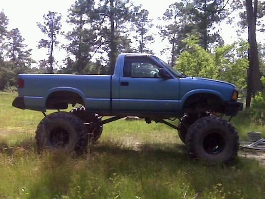 Chevy S10 4x4 3 Lift 33s
