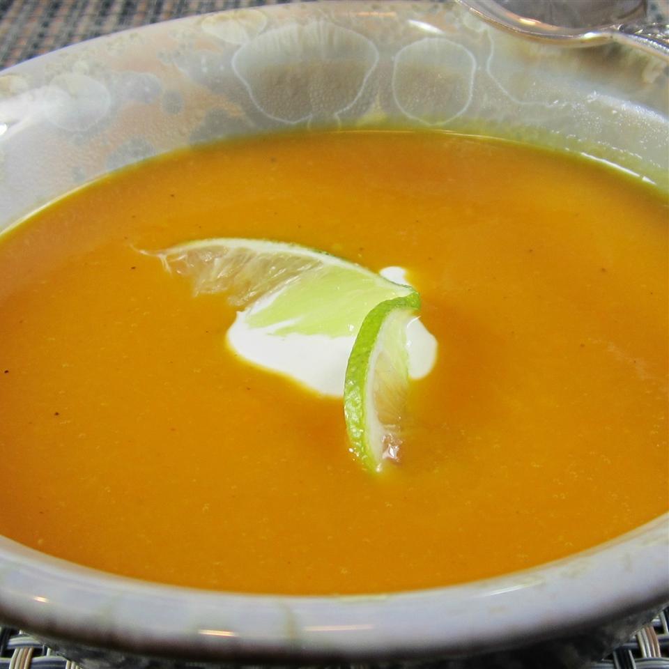 Sopa de abóbora com manteiga com receita de creme de limão