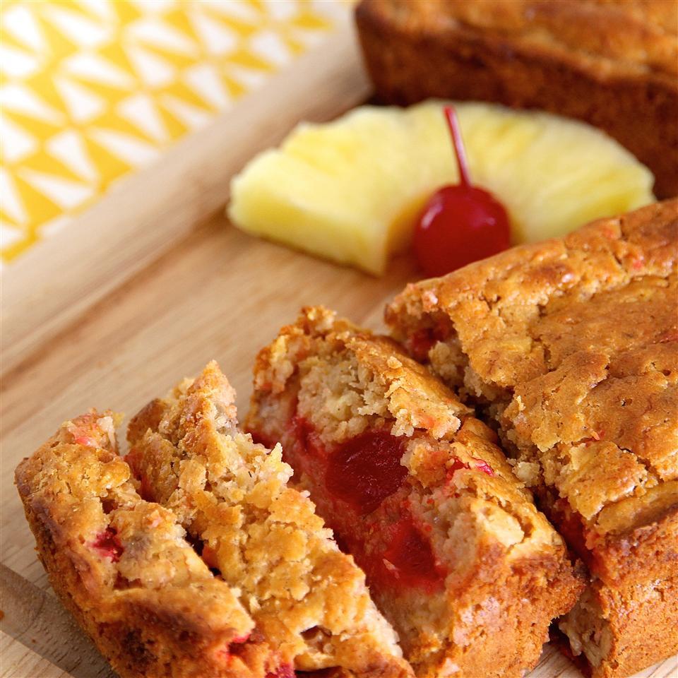 Receita de Pão de Banana de Abacaxi cereja