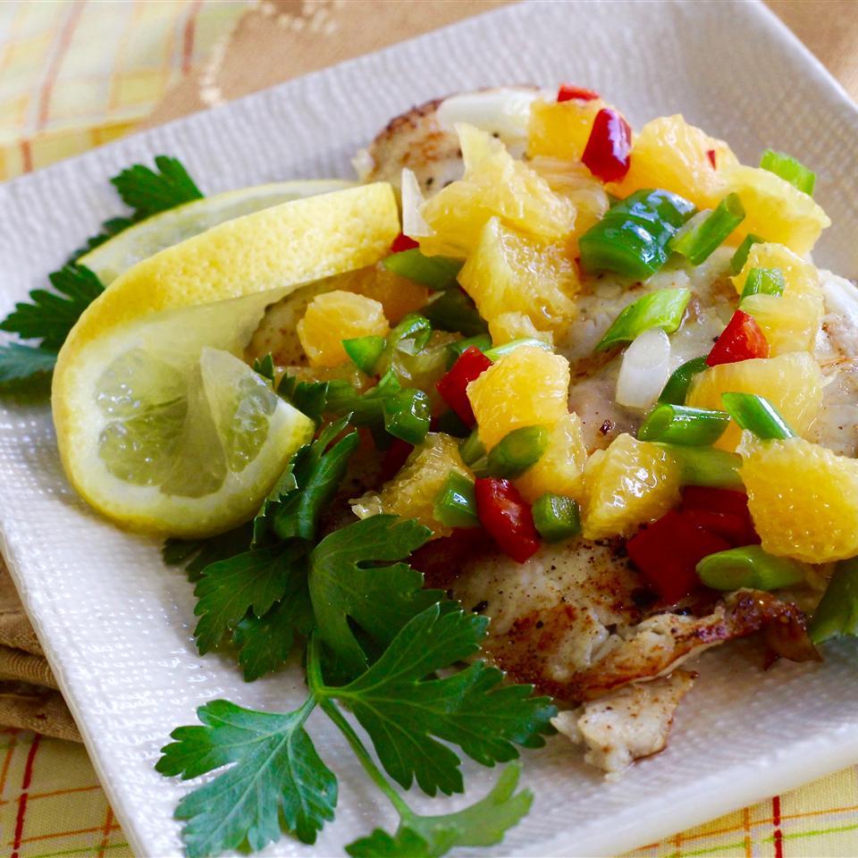 Tilápia Grelhada com Receita de Salsa de Laranja