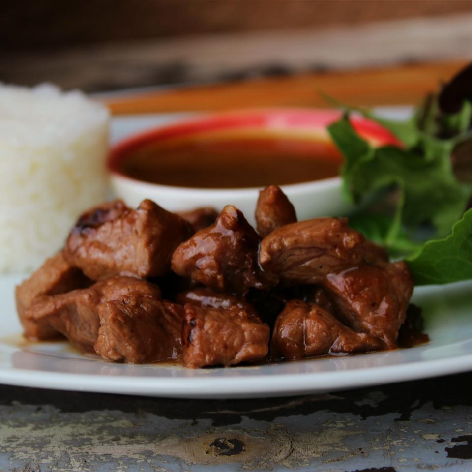 Cubos asiáticos de carne de alho (vietnamita Bo Luc Lac ou Carne Bovina Tremendo) Receita