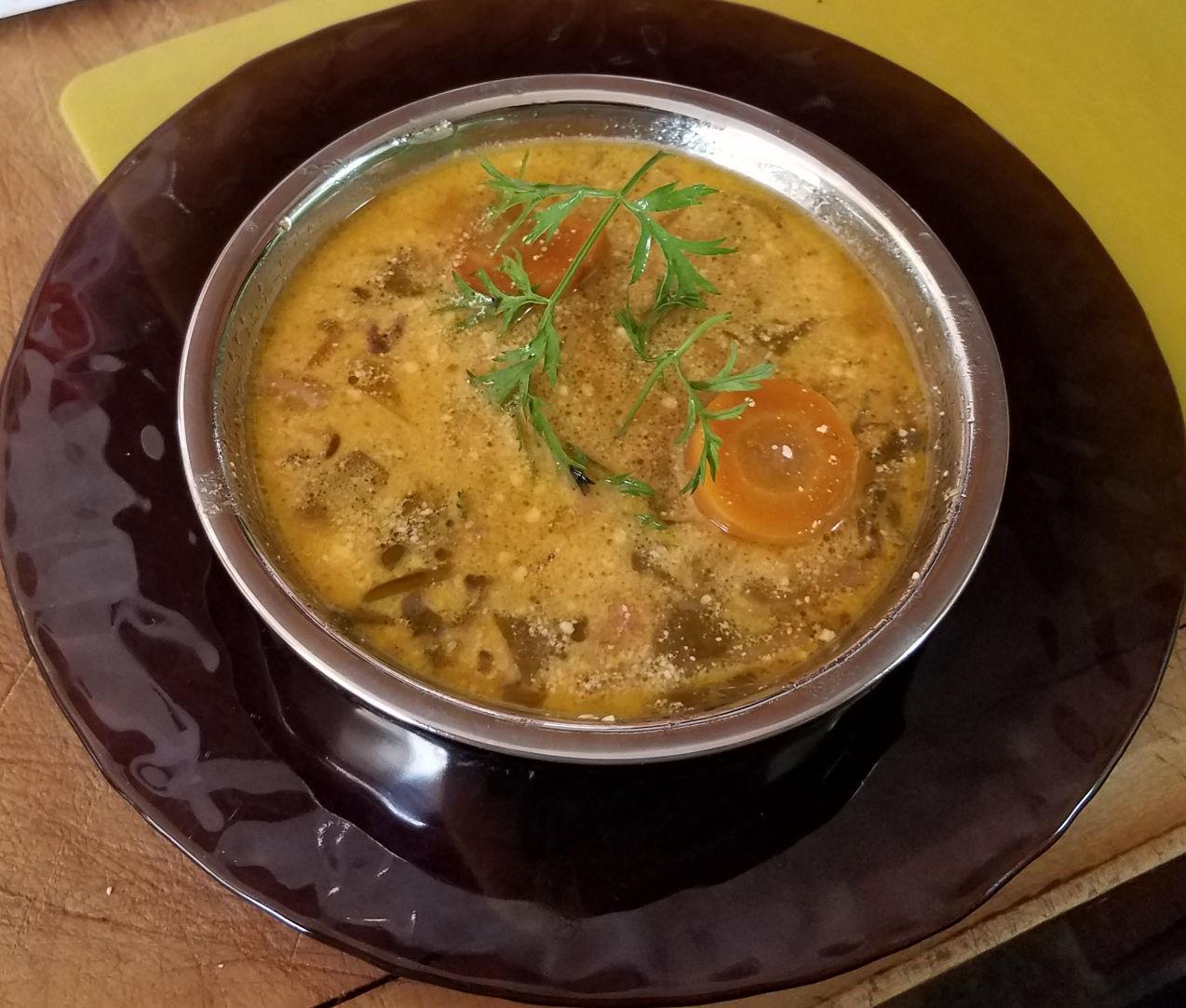 Sopa de Cenoura de Batata com Alho-poró e Couve (Panela Instantânea) Receita