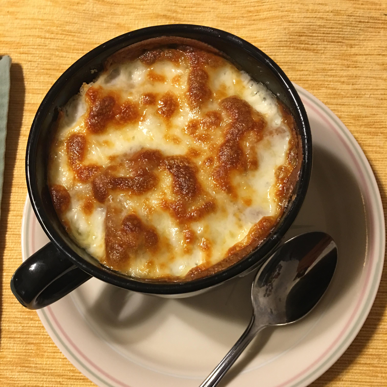 Receita de sopa de cebola francesa estilo restaurante