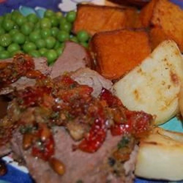 Receita de Lombo de Carne Recheada de Tomate Seco ao Sol e Pinheiro