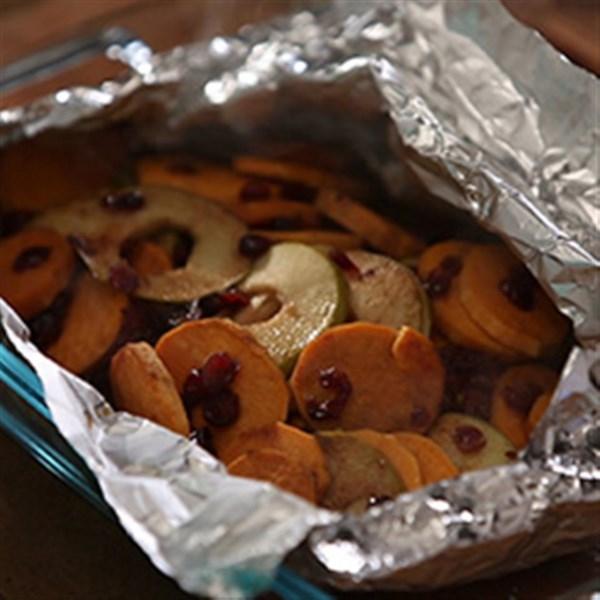 Receita de pacote de batata doce de maçã de cranberry da Karen