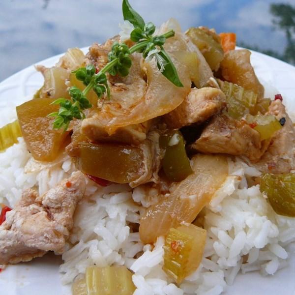 Propostas de frango apimentado coreano com receita de maçã doce