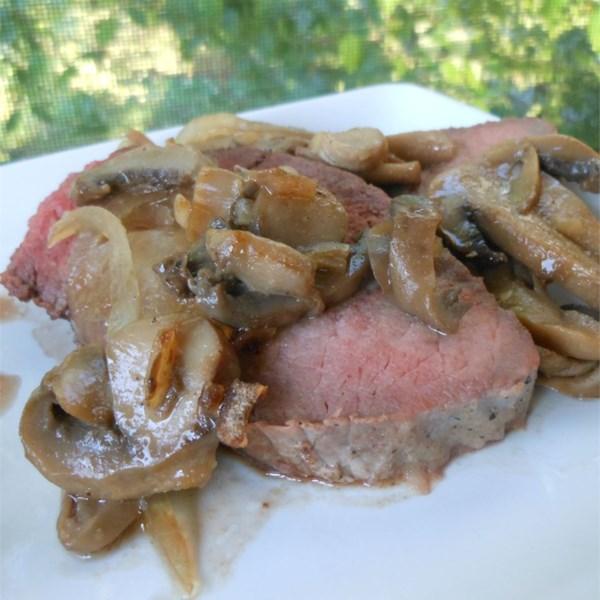 Carne de lombo ponta assada com receita de cogumelos