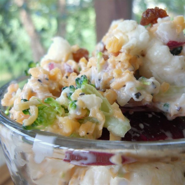 Receita vegetariana de salada de brócolis bodacious