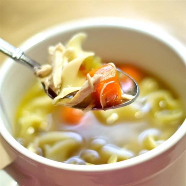 Chef John's Caseiro Frango Noodle Soup Receita
