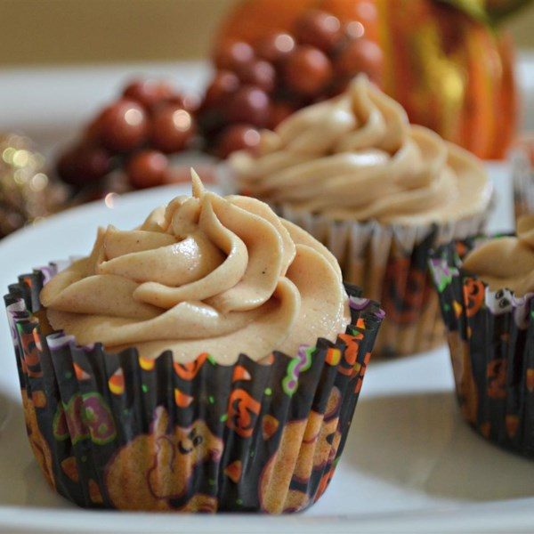 Cupcakes de especiarias de abóbora com receita de cobertura de queijo creme