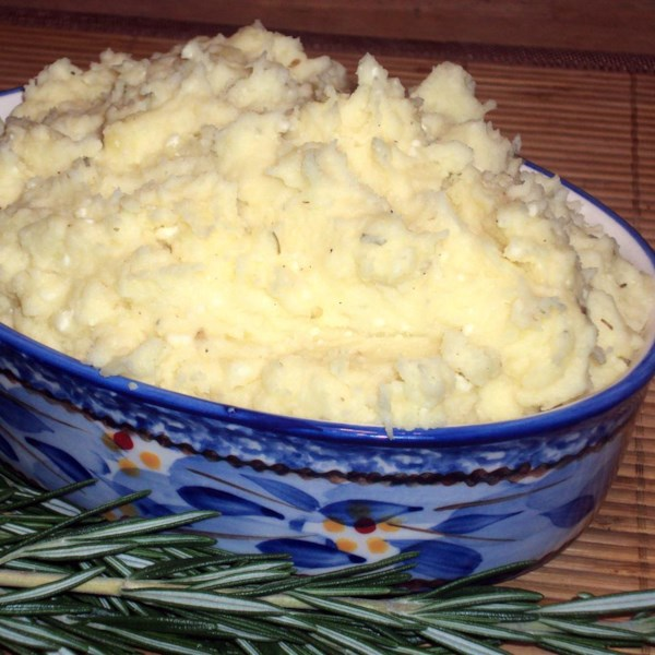 Receita de Purê de Batatas de Queijo Feta de Ervas de Alho