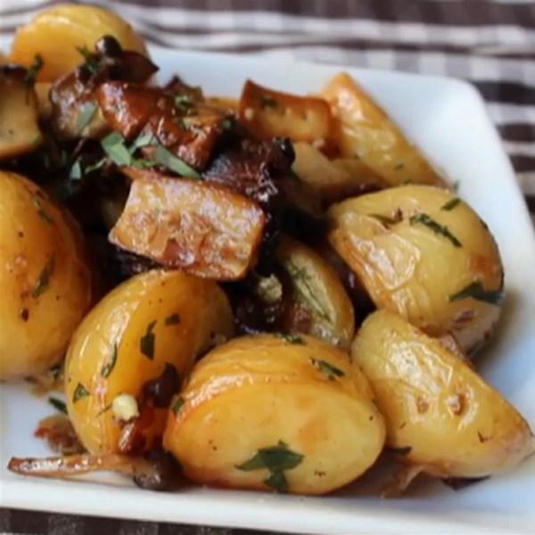 Receita de Cogumelos Selvagens Assados e Batatas