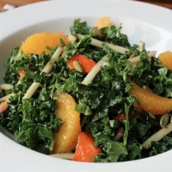 Receita de Salada de Couve Crua do Chef John