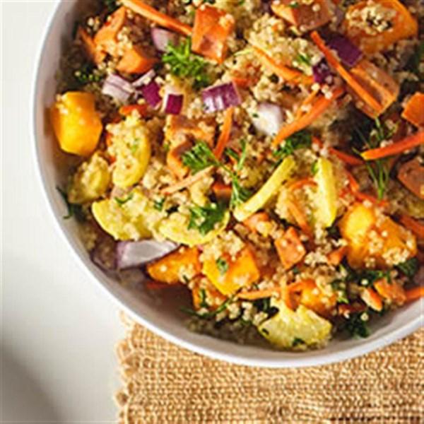 Salada de Quinoa com Legumes de Inverno e Receita de Linguiça de Frango de Búfalo