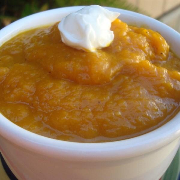 Receita de Abóbora de Manteiga Assada, Alho e Sopa de Maçã