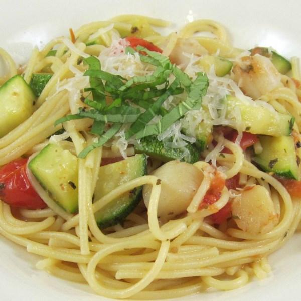 Pasta com Vieiras, Abobrinha e Receita de Tomate