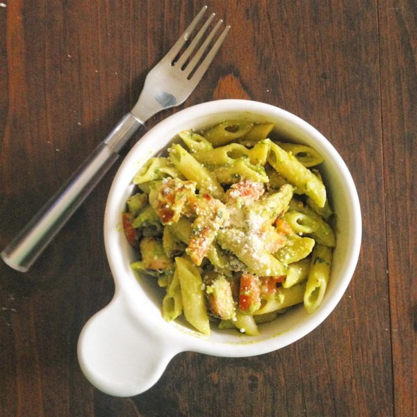 Creamy Abacate Pesto - Delish! Receita