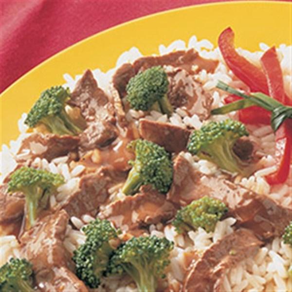Carne frita e brócolis da receita mccormick(r)