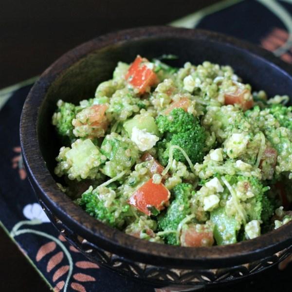 Receita de Salada de Salada de Nozes Pesto Quinoa