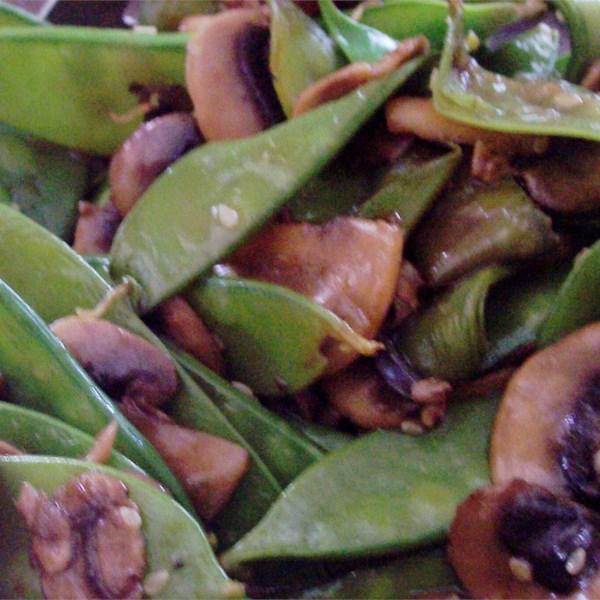 Receita de Ervilhas de Neve Fritas e Cogumelos