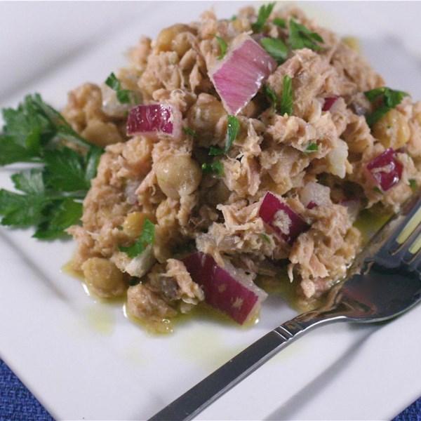 Receita de Salada de Atum Mediterrâneo Mais Saudável